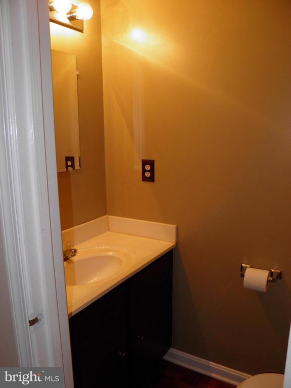 Bath 3 (Powder Room) - 210 WILD OAK LN #201, STAFFORD