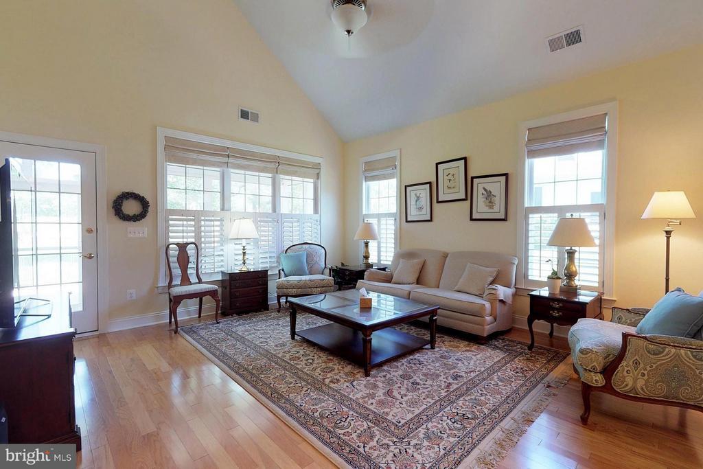Living Room - 5396 TREVINO DR, HAYMARKET