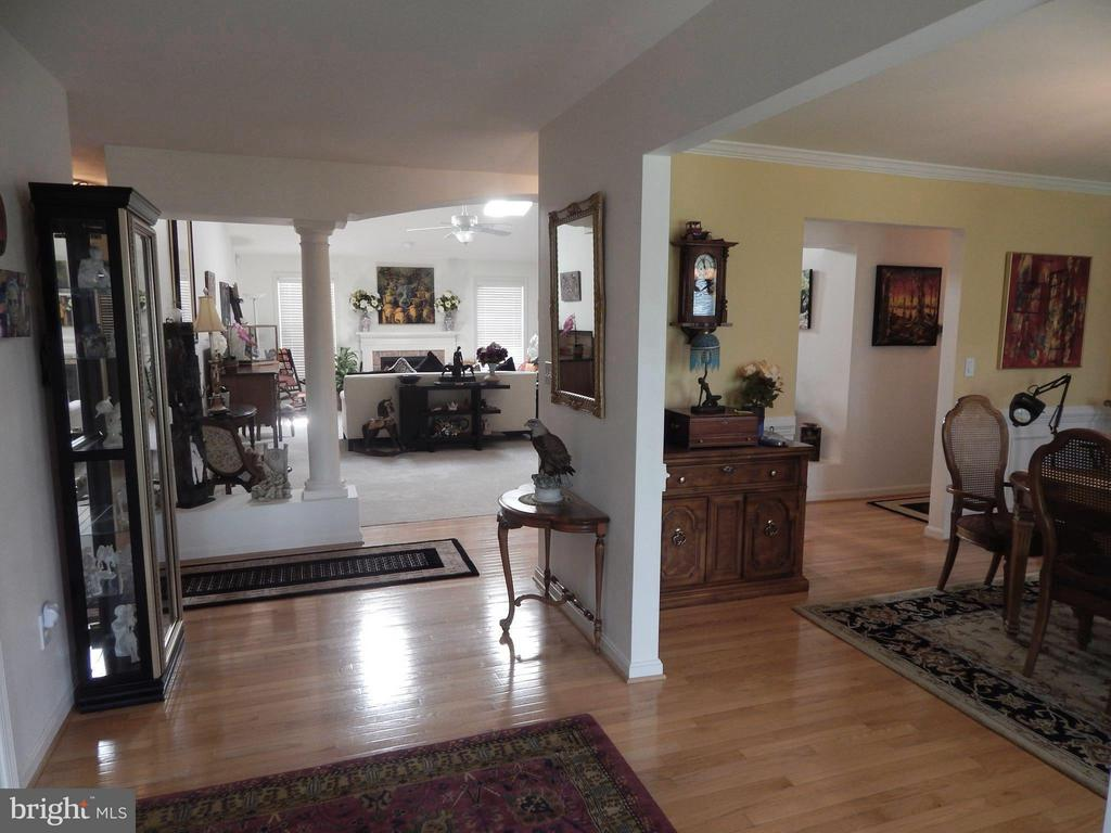 Spacious Foyer-View of Dining and Family Rooms - 6017 WATERMAN DR, FREDERICKSBURG