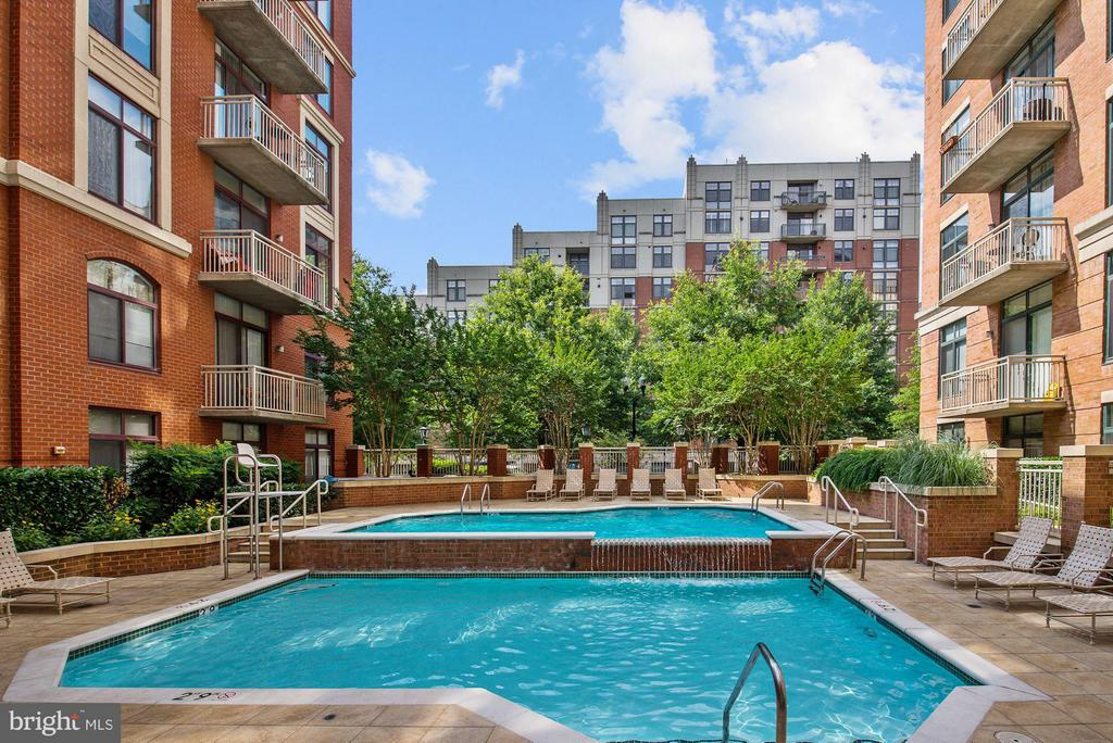 Community Pool - 1201 GARFIELD ST #801, ARLINGTON