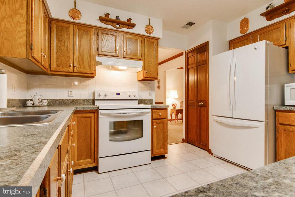 Kitchen - 222 VINE PL, STAFFORD