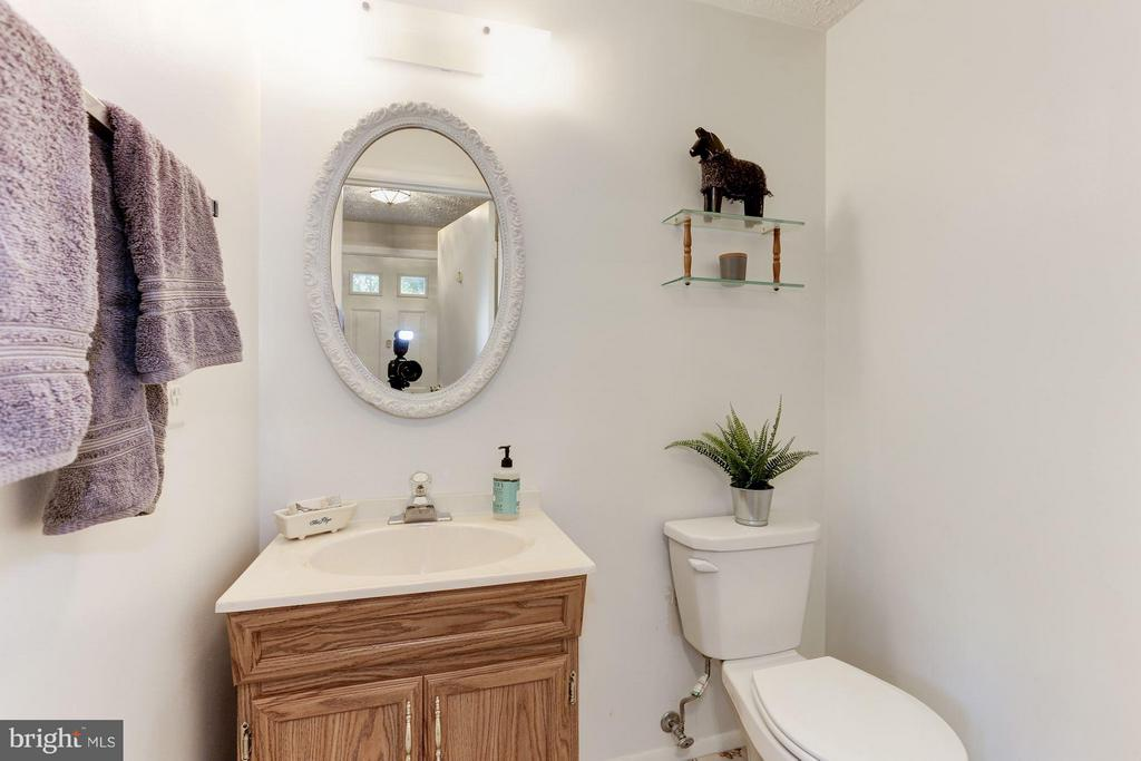 Half bath on Main Level - 6823 MONTIVIDEO SQUARE CT, FALLS CHURCH