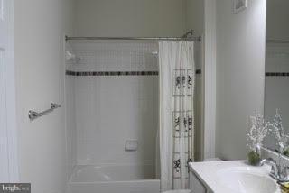 Bath (Master) - 22349 CONCORD STATION TER, ASHBURN