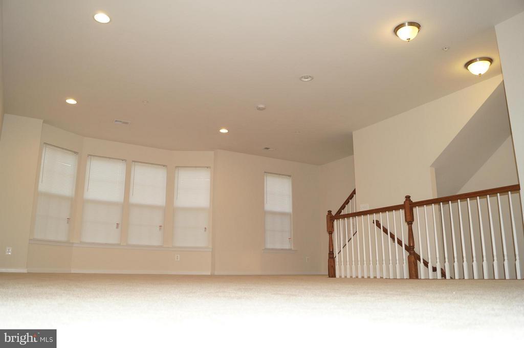 Living Room - 22349 CONCORD STATION TER, ASHBURN