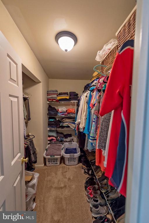 Walk-in closet. - 43337 WAYSIDE CIR, ASHBURN