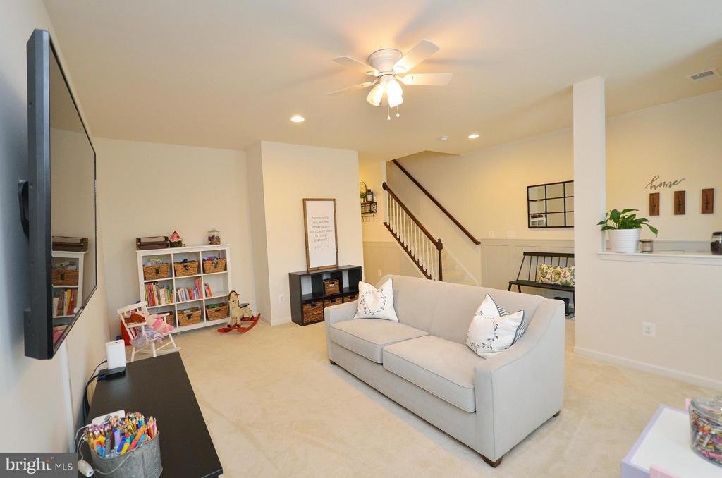 Family Room - 42416 BENFOLD SQ, ASHBURN