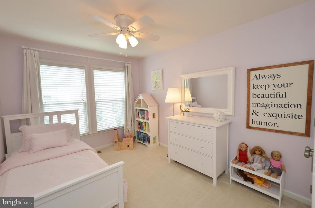 Great 2nd Bedroom - 42416 BENFOLD SQ, ASHBURN