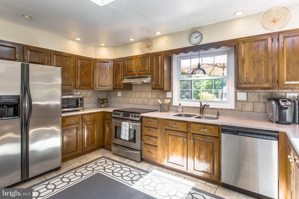 Kitchen - 6516 FORDICE DR, MOUNT AIRY