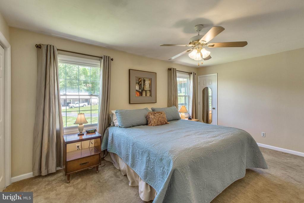 Bedroom (Master) - 6516 FORDICE DR, MOUNT AIRY