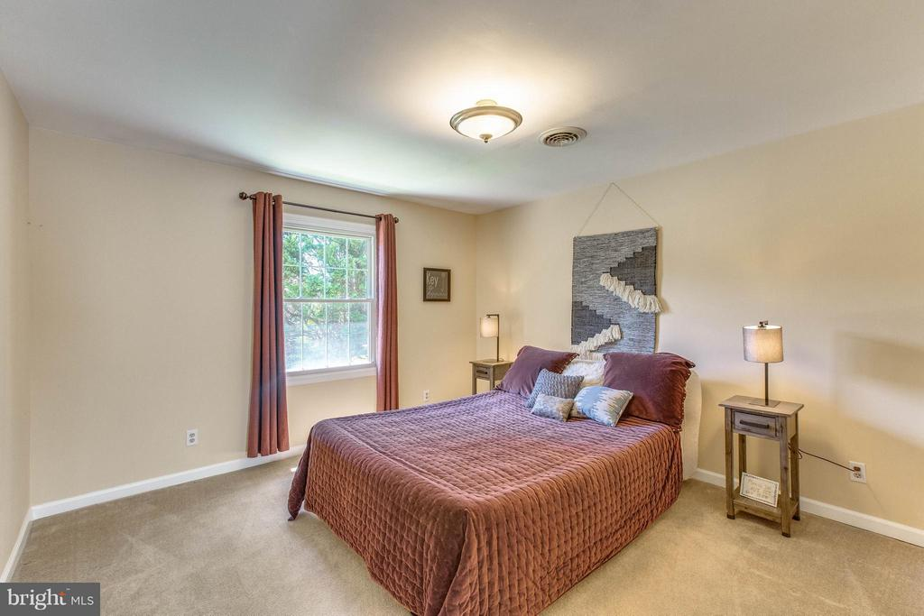 Bedroom - 6516 FORDICE DR, MOUNT AIRY
