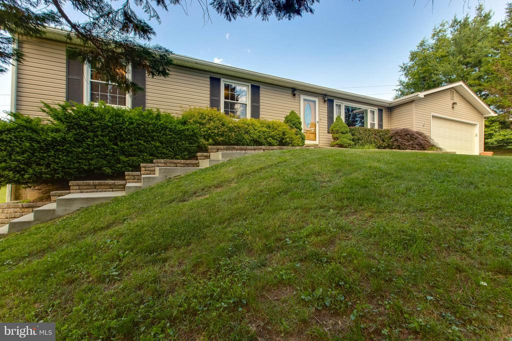 Exterior (Front) - 6516 FORDICE DR, MOUNT AIRY