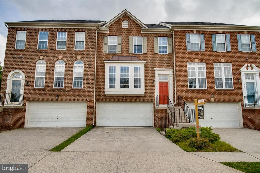 Exterior (Front) - 22060 CHELSY PAIGE SQ, ASHBURN