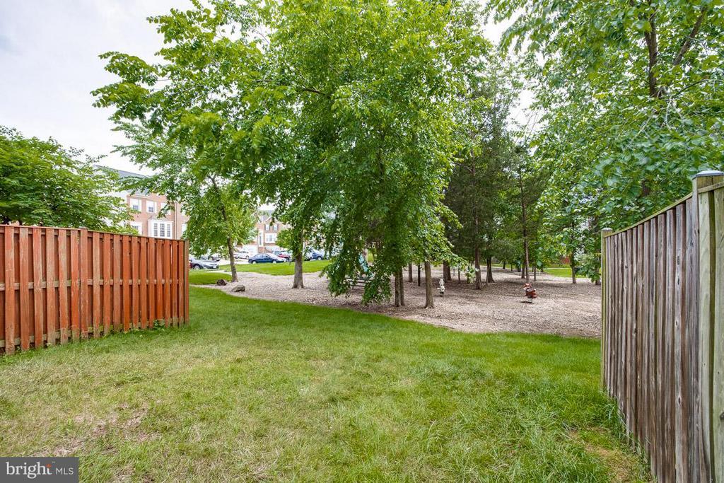 Backyard - 22060 CHELSY PAIGE SQ, ASHBURN