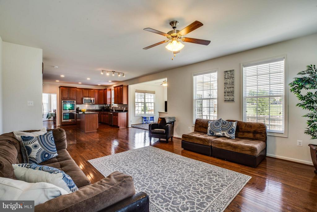 Open Floor Concept: Family Room Off Kitchen - 4 WIZARD CT, STAFFORD
