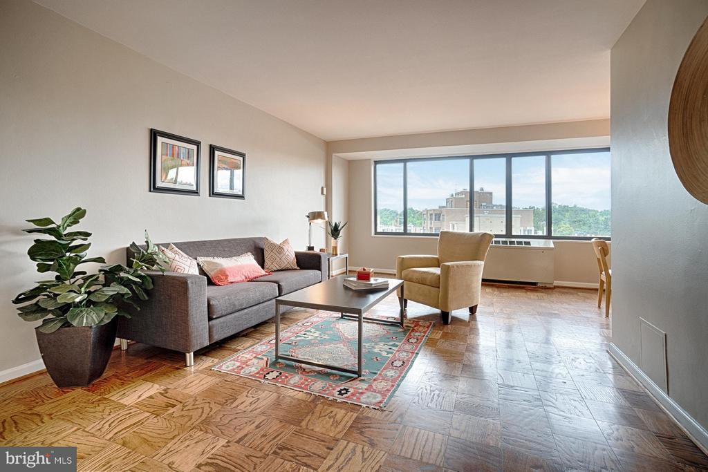 Living Room with beautiful views - 5410 CONNECTICUT AVE NW #916, WASHINGTON