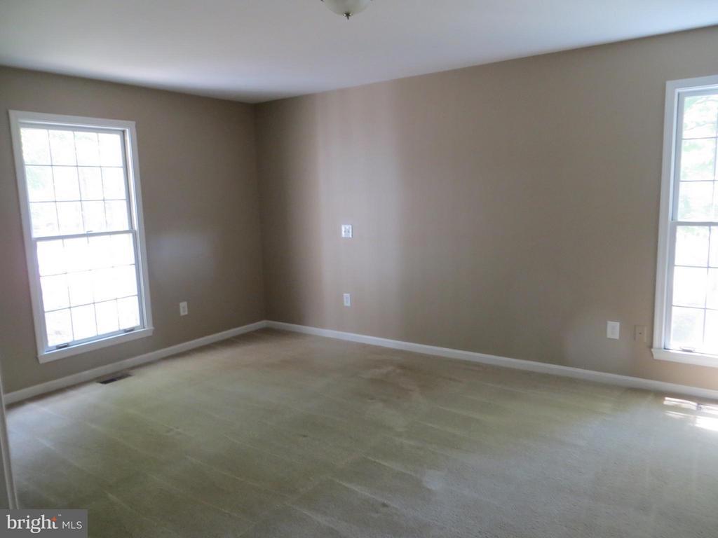 Bedroom (Master) - 111 SUNSET CT, LOCUST GROVE