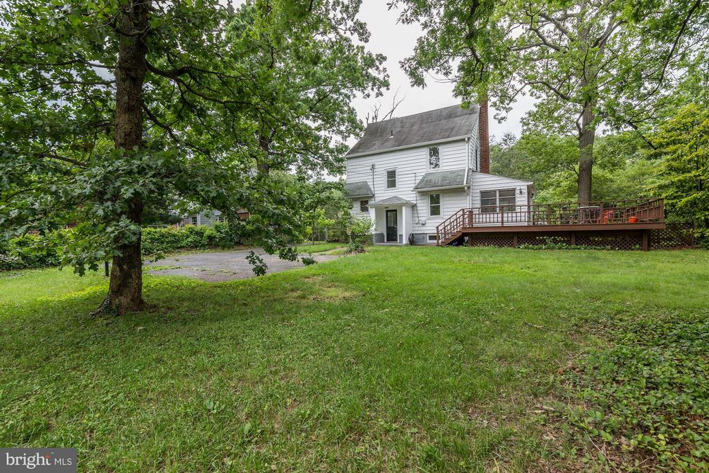 Enormous lot: 16,483 SF! Fenced rear yard - 3403 CHEVERLY AVE, CHEVERLY