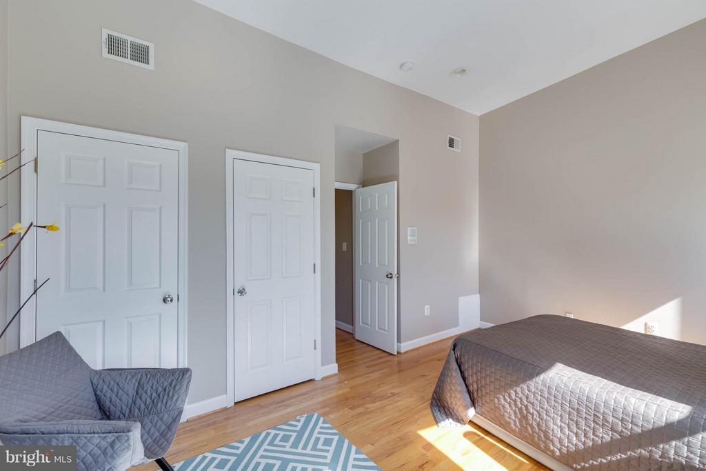 Closets with Elfa System - 223 FLORIDA AVE NW #4, WASHINGTON