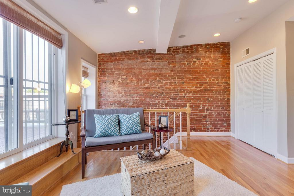 Living Room - 223 FLORIDA AVE NW #4, WASHINGTON