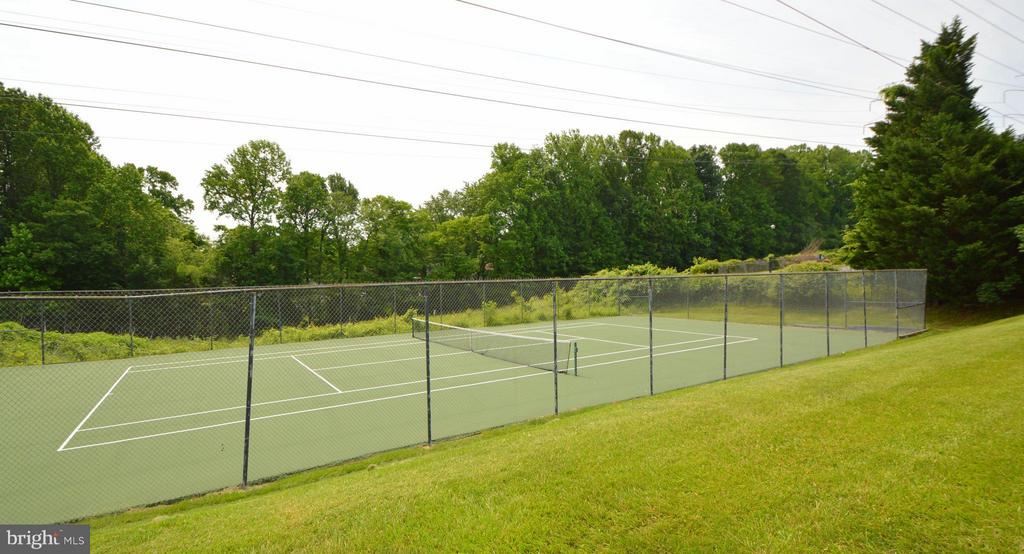 Tennis Courts - 9156 BROKEN OAK PL #81A, BURKE
