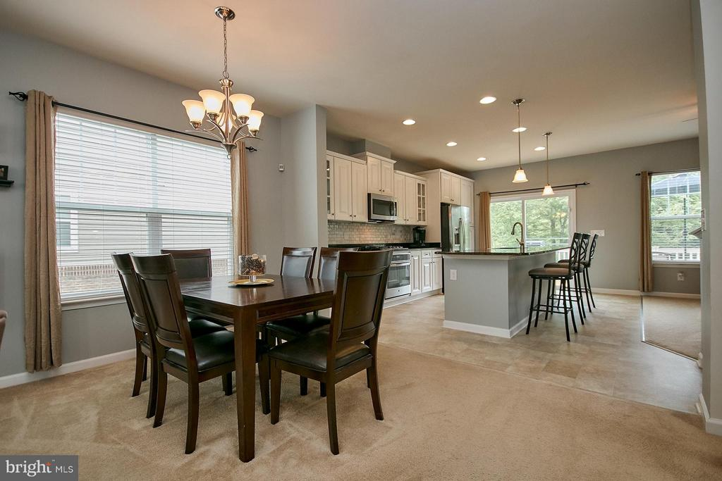 Dining Room - Open floor plan! - 9052 ISABEL LN, MANASSAS PARK