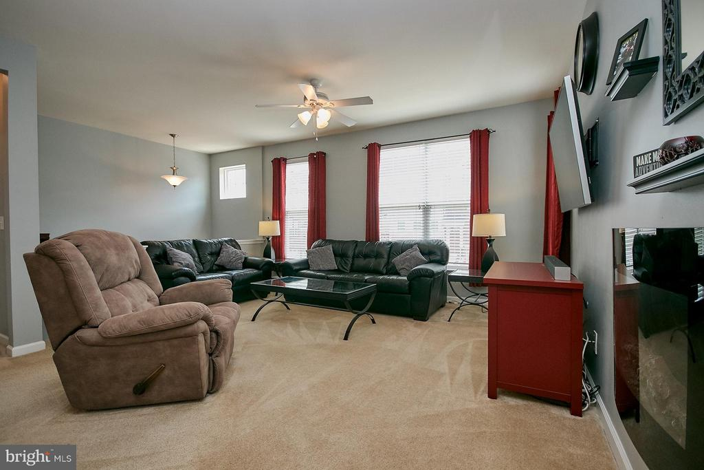 Living Room - 9052 ISABEL LN, MANASSAS PARK