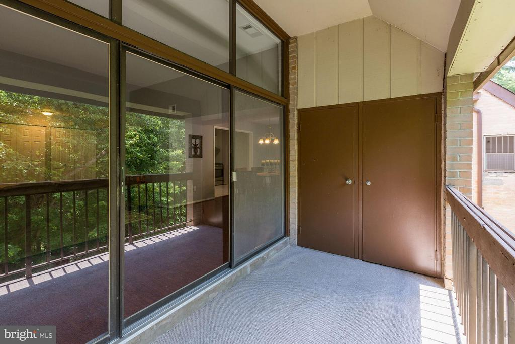 Private balcony - 1675 PARKCREST CIR #400, RESTON