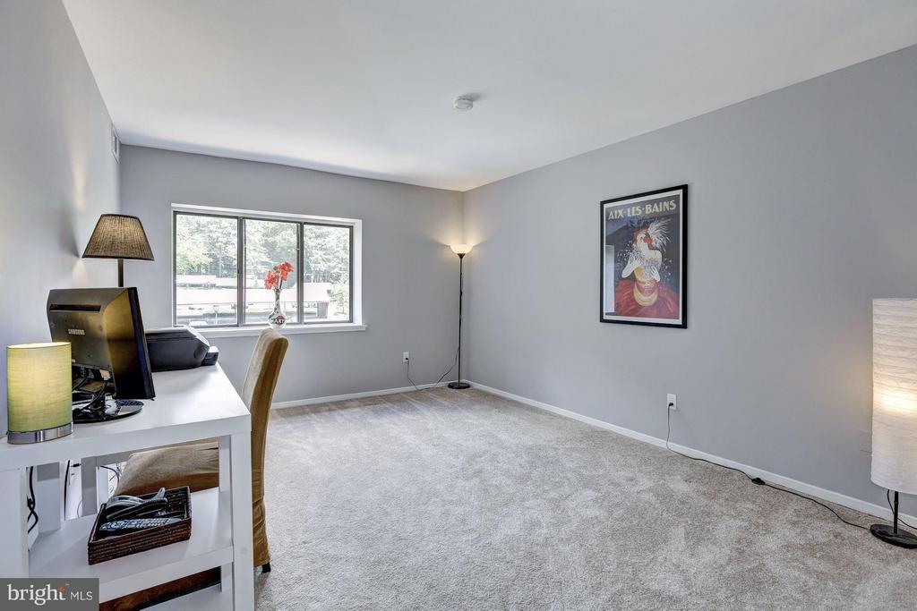 Second bedroom - 1675 PARKCREST CIR #400, RESTON