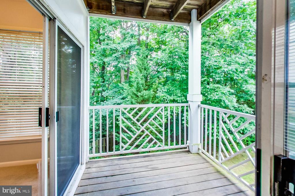 Park-like views from elevated porch - 5940 FOUNDERS HILL DR #103, ALEXANDRIA