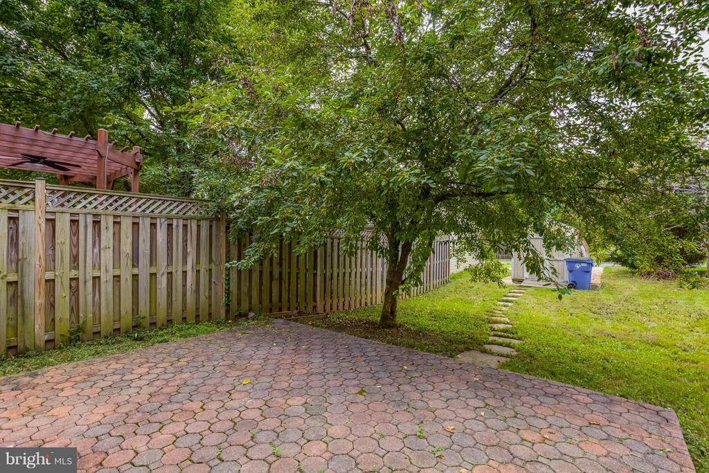 Lovely Outdoor Living Space - 2239 WETHERBURNE WAY, FREDERICK