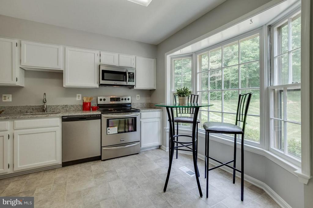 Updated refinished cabinets and granite counters - 11922 GLEN ALDEN RD, FAIRFAX