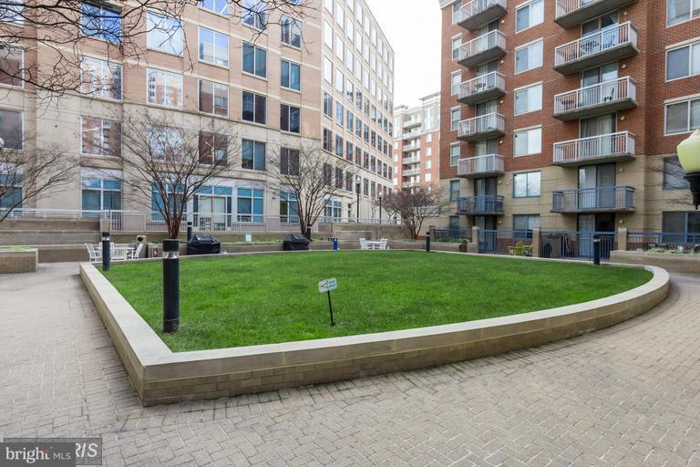 Patio and Grilling Area - 3835 9TH ST N #507E, ARLINGTON