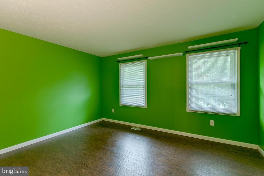 Bedroom 3 - 12 KNIGHTSBRIDGE WAY, STAFFORD