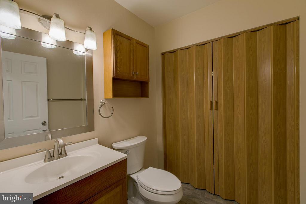 Main Level Bath with  Laundry Hookups Behind Door - 12 KNIGHTSBRIDGE WAY, STAFFORD