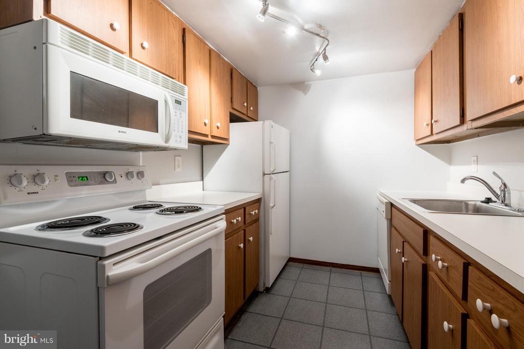 Kitchen - 1718 P ST NW #L5, WASHINGTON