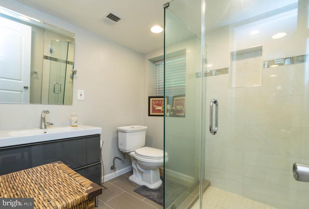 Bath (Master) - 12601 HALL ST, WOODBRIDGE