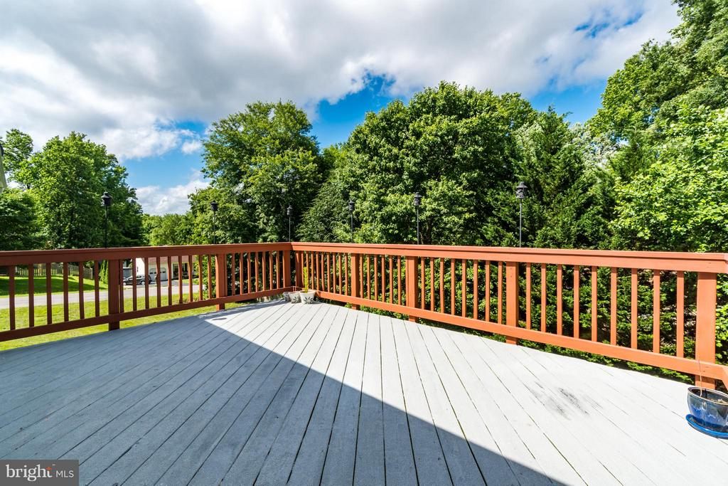 Newly refinished deck - 9 HAVEN CT, STAFFORD