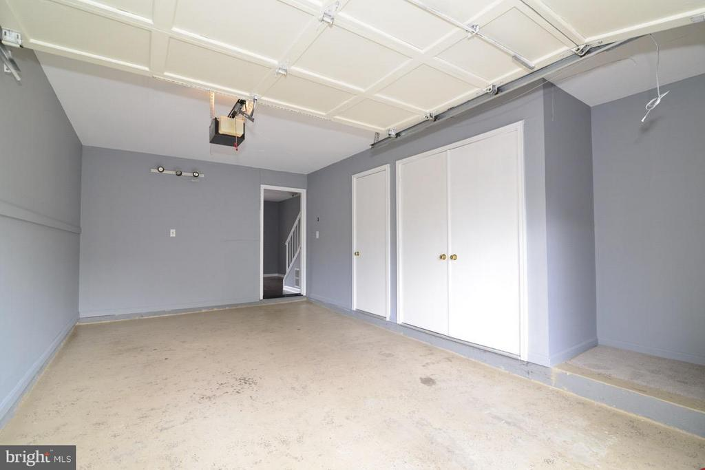 Garage - 20186 FOOTHILL TER, ASHBURN