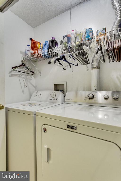 Upstairs Laundry - 7107 STRAWN CT, ALEXANDRIA
