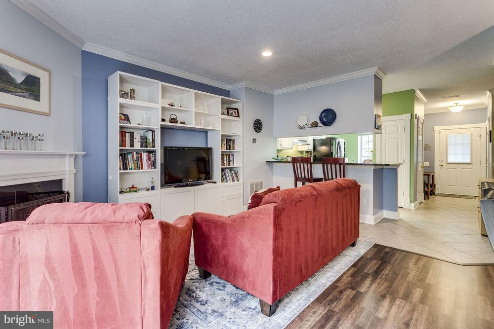 Living Room - 7107 STRAWN CT, ALEXANDRIA