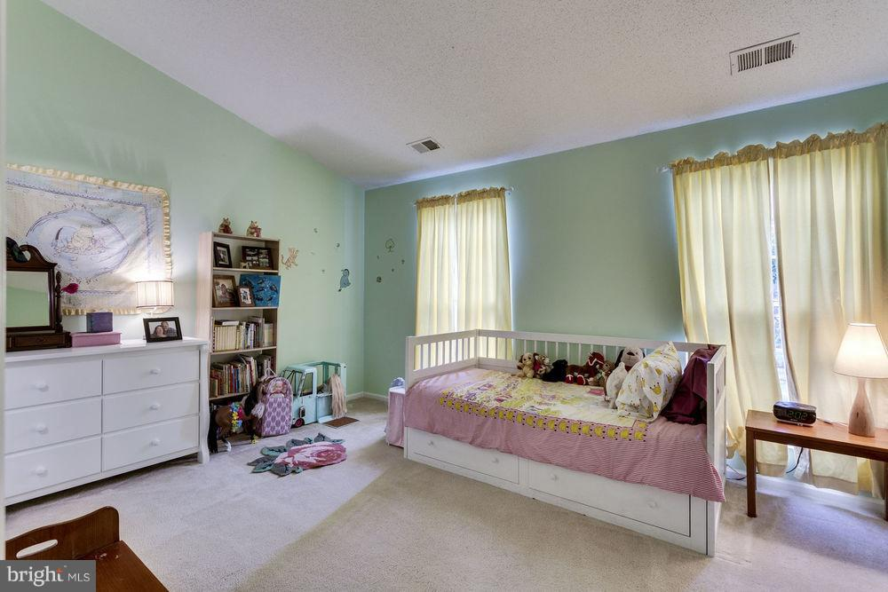 A second master suite - 7107 STRAWN CT, ALEXANDRIA