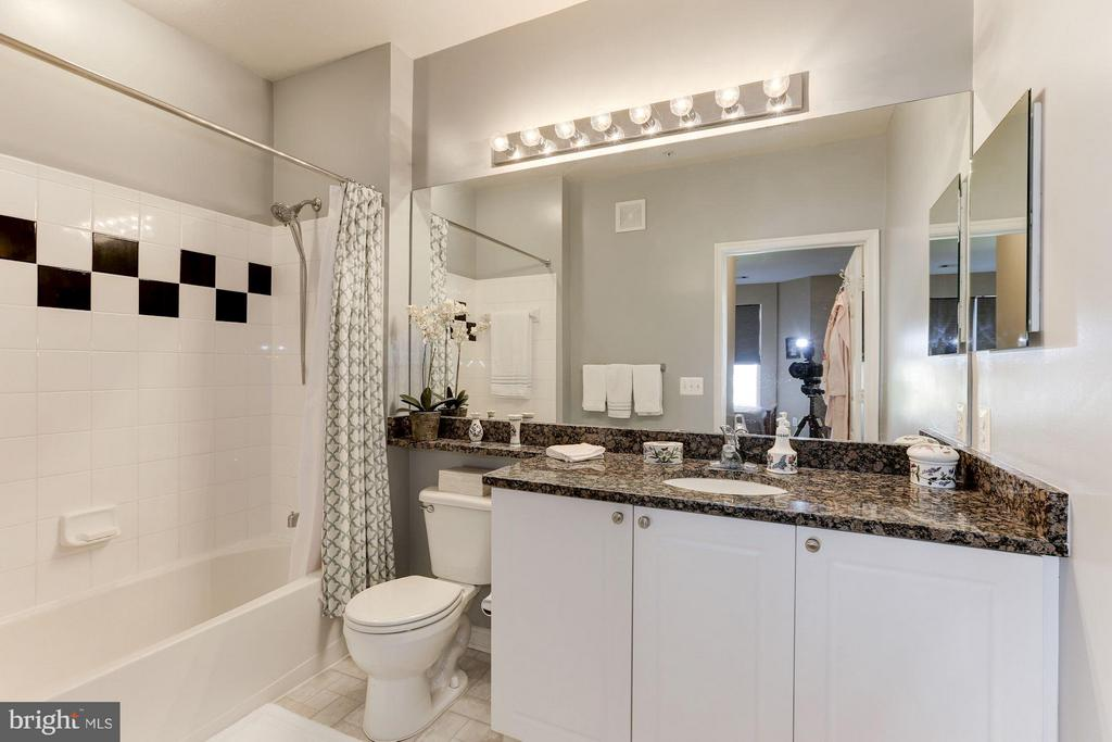 Master bathroom - 9490 VIRGINIA CENTER BLVD #343, VIENNA