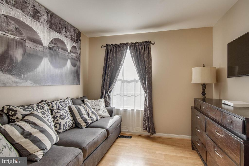 Bedroom 3 - 5172 TILBURY WAY, WOODBRIDGE