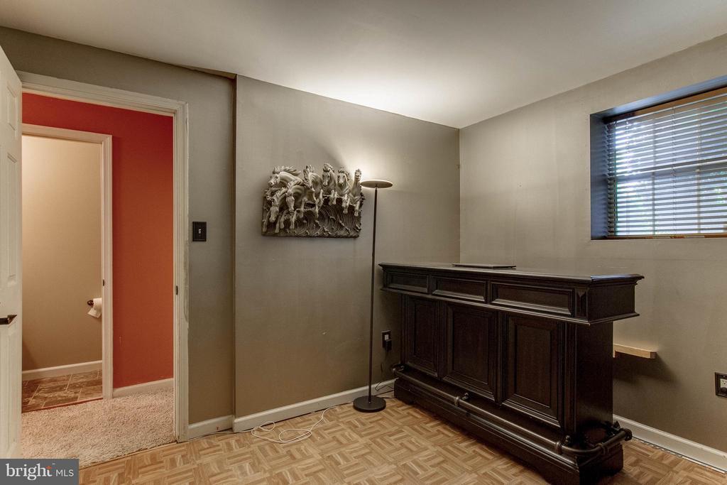 Bedroom 4 in Basement - 5172 TILBURY WAY, WOODBRIDGE