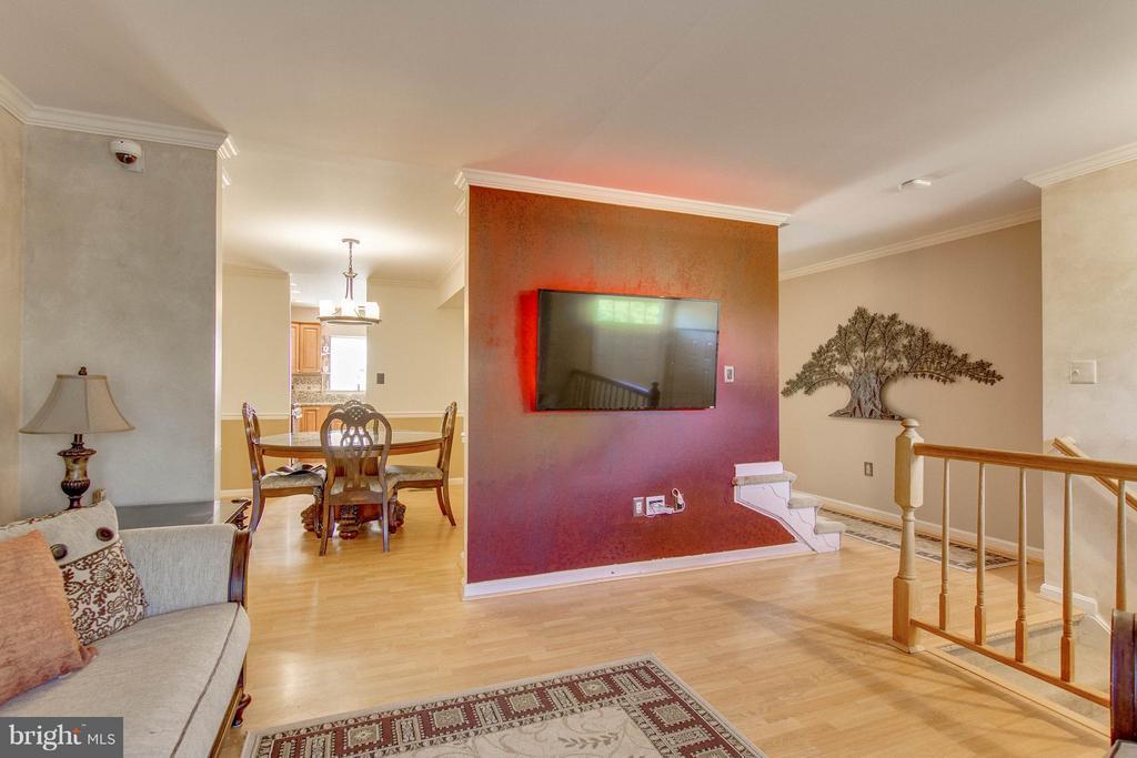 Living Room - 5172 TILBURY WAY, WOODBRIDGE