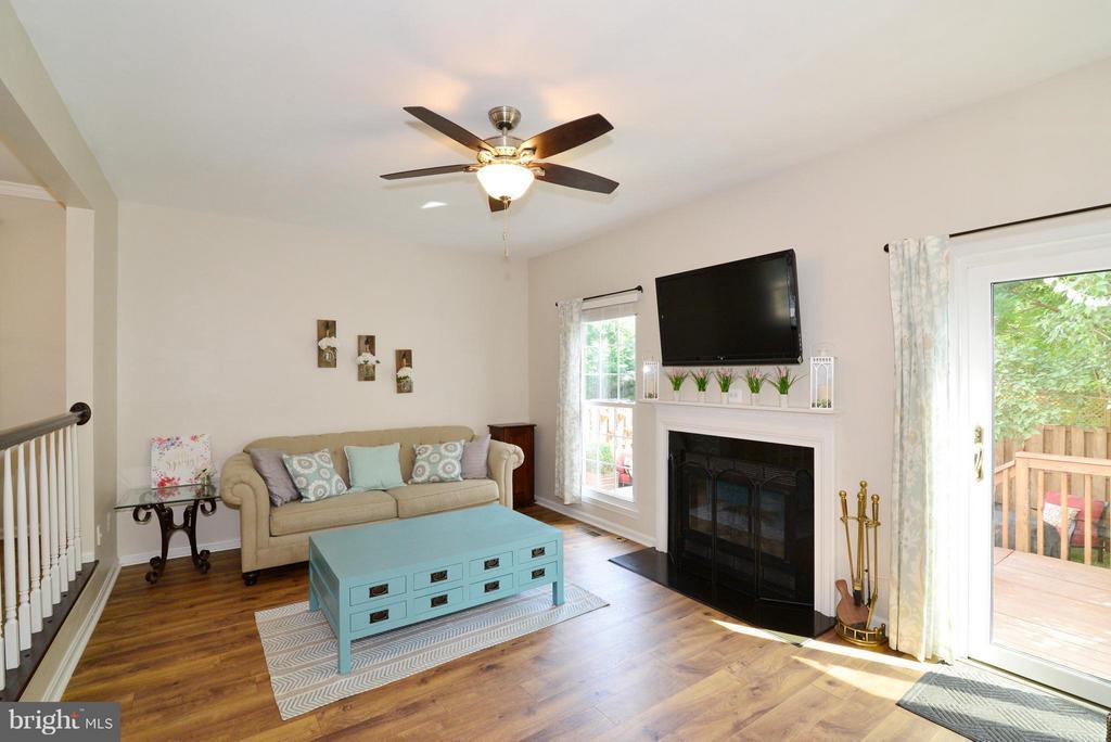 Living Room - 930 SMARTTS LN NE, LEESBURG