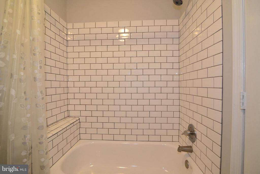 Lower Level Bath - 930 SMARTTS LN NE, LEESBURG
