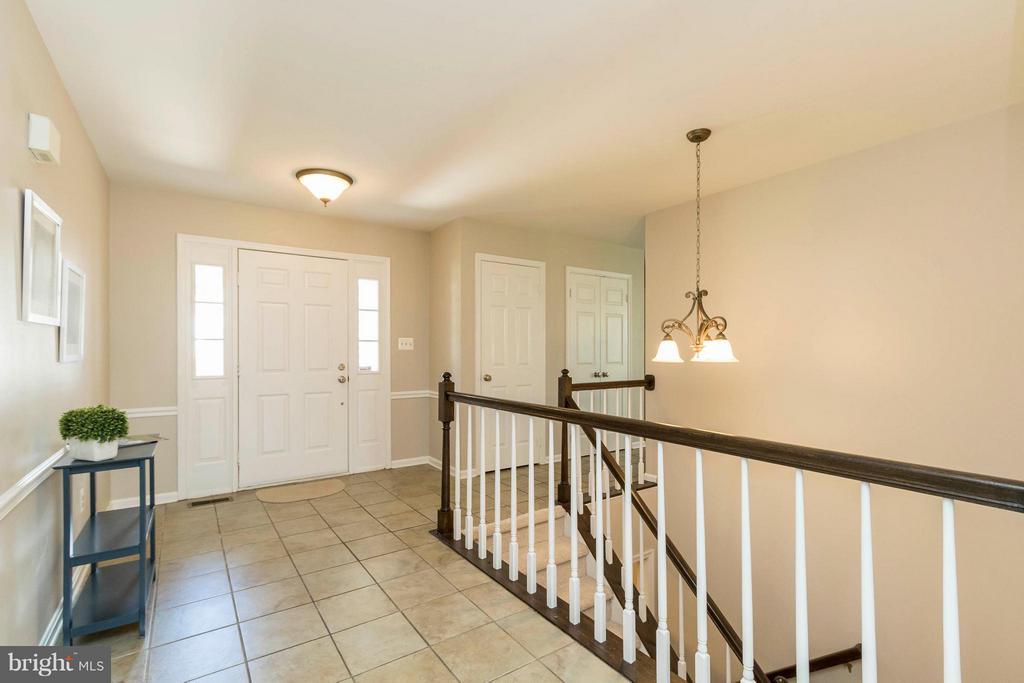 Foyer - 8429 SILVERDALE CT, LORTON