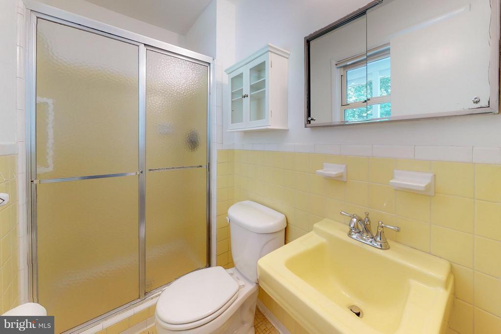 Bath (Master) - 11411 ORLEANS WAY, KENSINGTON