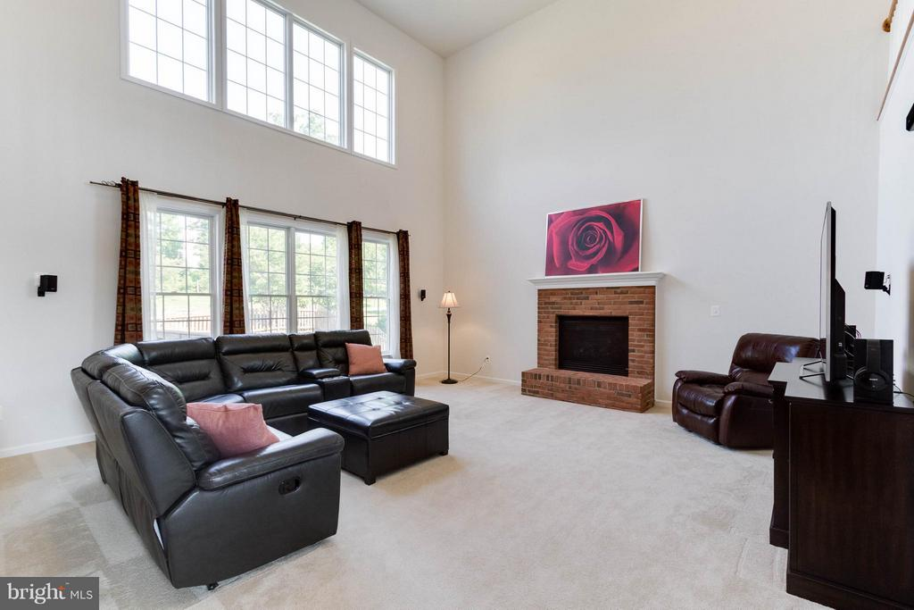 Two-story Great Room w/ gas fireplace - 25287 JUSTICE DR, CHANTILLY